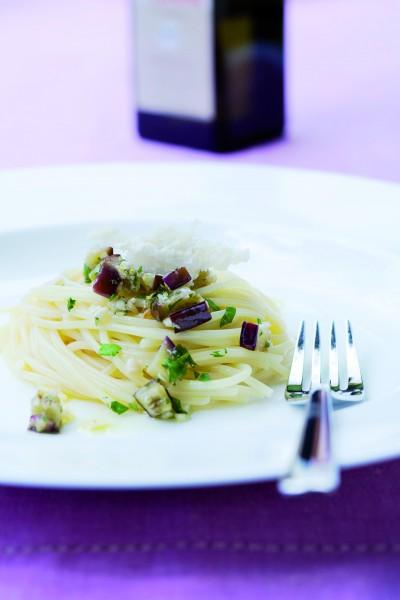 Spaghetti_mit_Auberginen_und_Zitrone